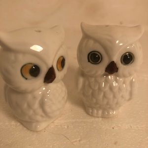 Collectibles Brinns Bone China Salt Shakers Taiwan